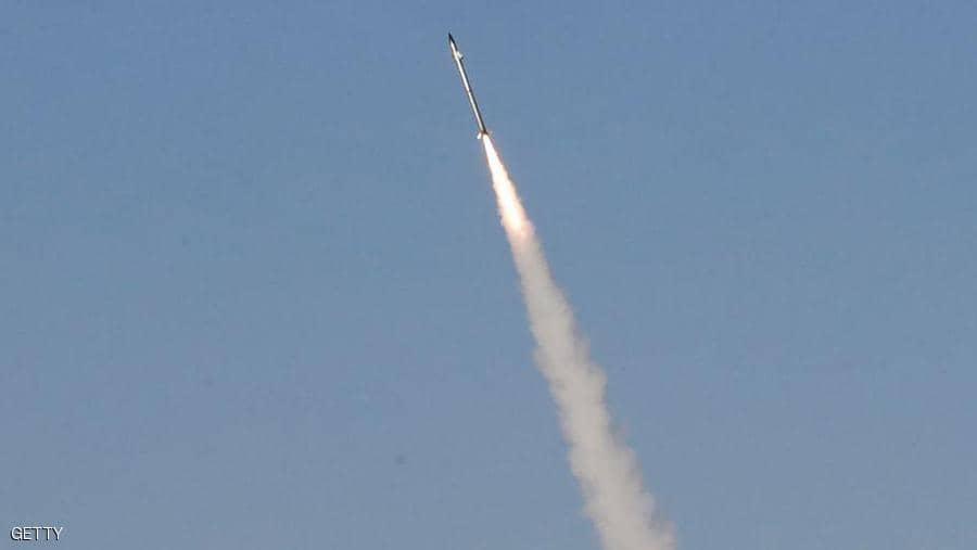 إسرائيل تتحدث عن نيران كثيفة من غزة وتستعد لأيام القتال